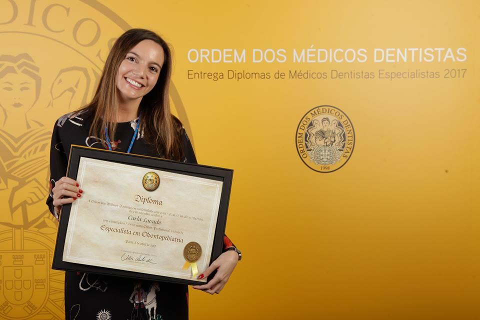 Especialista em Odontopediatria – Drª Carla Lavado